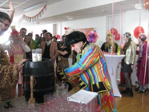 Fassanstich beim Karneval im KI.M